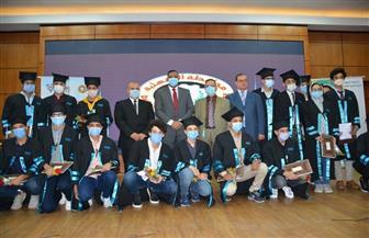 تكريم أوائل الثانوية العامة في الدقهلية و20 ألف لكل طالب من جامعة الدلتا | صور