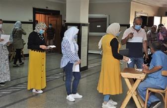 رئيس جامعة كفرالشيخ يشدد على الالتزام بالإجراءات الصحية مع بدء اختبارات القدرات | صور