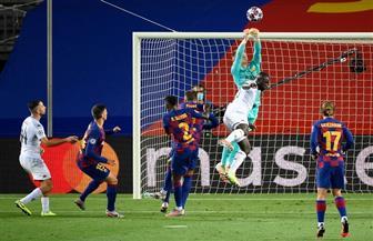 برشلونة يتخطى نابولي ليكمل عقد المتأهلين إلى ربع نهائي دوري الأبطال