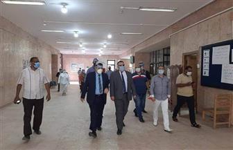 بعد اندلاع حريق.. نائب رئيس جامعة الإسكندرية يتفقد امتحانات كلية التربية |صور