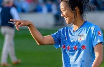 لاعبة كرة قدم يابانية تنضم لفريق الرجال