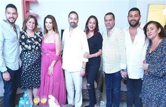 في حفل عائلي.. إلهام شاهين تحتفل بخطوبة شقيقها
