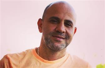 """عزيز الشافعي: عمرو دياب صوت شرقي و""""قويل"""".. ولا يوجد تطور في الموسيقى ولكن لدينا جيل فني مميز   حوار"""