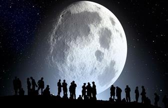 كيف يمكن شراء قطعة من القمر؟