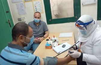 الكشف على 1211 مريضا في قافلة طبية بمركز دمنهور | صور