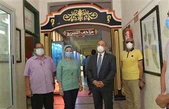 رئيس جامعة أسيوط يتفقد متحف كلية الطب البيطري | صور