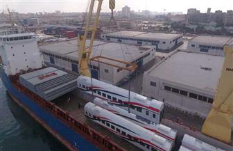 وصول دفعة جديدة من عربات ركاب السكك الحديدية الجديدة إلى ميناء الإسكندرية | صور