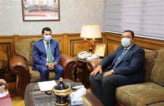 وزير الشباب والرياضة يلتقي سفير مصر بتونس لبحث التعاون المشترك