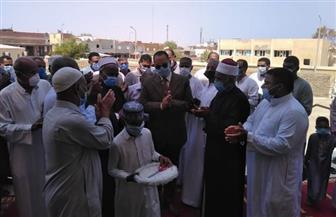 رئيس مدينة القصير يفتتح مسجد السمان بعد إحلاله وتجديده | صور