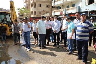 محافظ المنوفية يتابع إصلاح خط مياه بشارع صبري أبو علم | صور