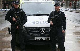 حارس وزير خارجية بريطانيا يترك بندقيته على مقعد طائرة عائدة من واشنطن