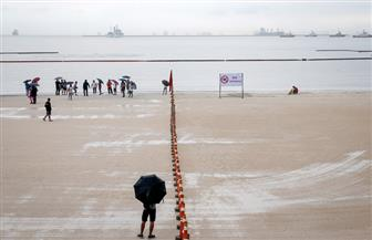 شاطئ رملي أبيض اصطناعي في الفلبين يجذب حشودا ويثير انتقادات