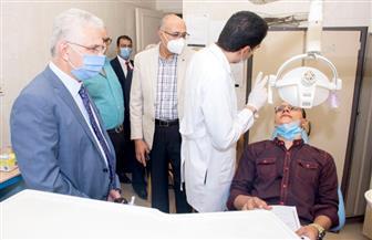 780 طالبا مستجدا بكليتي الطب والصيدلة بجامعة طنطا يؤدون الكشف الطبي | صور