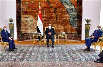 الرئيس السيسي يؤكد موقف مصر الثابت لدعم الحل السياسي للأزمة الليبية بعيدا عن التدخلات الخارجية