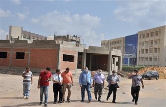 رئيس جامعة كفرالشيخ يتفقد إنشاءات مستشفى الطوارئ ومركز الأورام بتكلفة تبلغ 2 مليار جنيه | صور