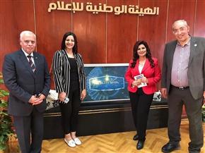«بنكمل الصورة».. برنامج جديد بالتليفزيون المصري يبدأ عرضه غدا | صور