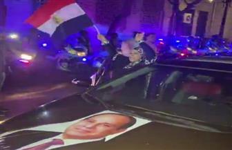 المصريون يحتفلون مع قوات الشرطة بالانتصار على دعوات جماعة الإخوان الإرهابية التحريضية | فيديو