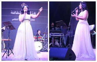 «أميرة رضا» تقدم أغاني الزمن الجميل على مسرح الهناجر | صور