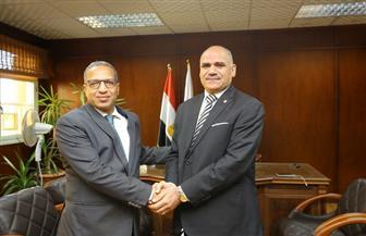الدكتور محمد محجوب عزوز يتسلم منصبه كأول رئيس لجامعة الأقصر   صور