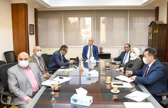 وزير الإسكان يتابع مشروع تنمية أراضي الساحل الشمالي الغربي ...