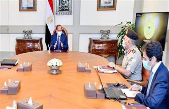 الرئيس السيسي يتابع تطورات مشروعات الشبكة القومية للطرق والمحاور الجديدة على مستوى الجمهورية