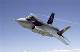 تحطم مقاتلة أمريكية بعد اصطدامها بطائرة للتزود بالوقود