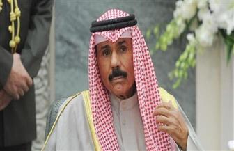 أمير الكويت في استقبال جثمان الشيخ صباح الأحمد بالمطار