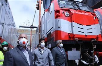 وزير النقل يستقبل الدفعة الخامسة من جرارات السكة الحديد الجديدة بإجمالي 30 جرارا