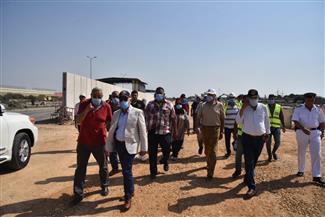 محافظ بورسعيد يتابع أعمال تطوير منفذ النصر الجمركي | صور
