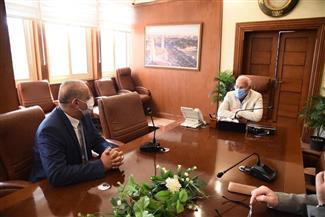 محافظ بورسعيد يلتقي رئيس مجلس إدارة المعاهد القومية