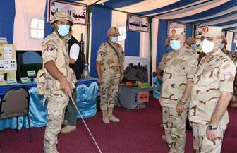 رئيس الأركان يشهد المرحلة الرئيسية لمشروع تكتيكي بجنود بالذخيرة الحية لإحدى وحدات الجيش الثاني الميداني