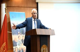 محافظ بورسعيد يستقبل 100 شاب من مختلف محافظات مصر | صور