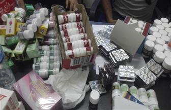 ضبط 10 آلاف عبوة دواء منتهية الصلاحية ومهربة من الجمارك داخل مركز طبي بطنطا | صور