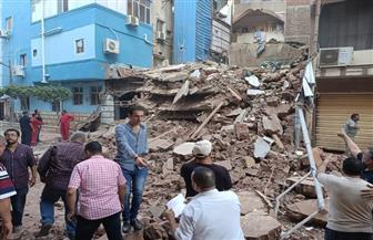 انهيار منزل قديم خال من السكان فى مدينة المحلة الكبرى   صور