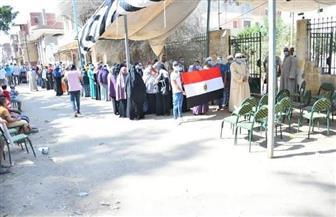 زحام شديد في اللجنة رقم 441 بقرية أبو أحمد بمركز سيدي سالم بكفر الشيخ | صور