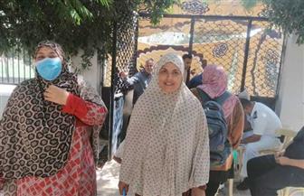 طوابير من السيدات وكبار السن أمام لجان قرى كفر الشيخ | صور
