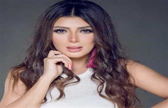 """بسمة داوود ملكة جمال مصر للبيئة والسياحة تظهر بشخصيتها الحقيقية في """"مطبعة هرم"""""""