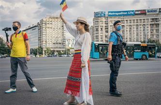 متطرفون يمينيون ينضمون لاحتجاجات ضد إجراءات كورونا في رومانيا