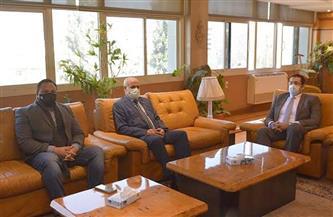 رئيس جامعة الفيوم يناقش توسيع التعاون مع الجامعة المصرية للتعلم الإلكتروني   صور