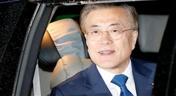 الرئيس الكوري الجنوبي: جميع المواطنين سيتلقون لقاح فيروس كورونا مجانا