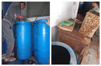 ضبط 1200 كيلو مخللات لتغير الخواص بمعمل بمدينة السنبلاوين  صور