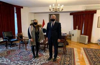 السفير المصري في وارسو يستقبل مُمثلة المنتخب البولندي المُشارك في فعاليات بطولة كأس العالم لكرة اليد | صور