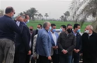 وزير الري يتفقد أعمال تبطين بحر مطرطارس في الفيوم| صور