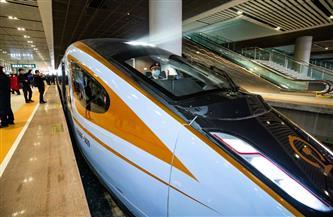 القطارات السريعة تضخ حيوية جديدة في تنمية الأقاليم الغربية الصينية