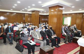 اجتماع تنسيقى لتنفيذ المبادرة الرئاسية لتحويل السيارات الحكومية للعمل بالغاز الطبيعى بالمنوفية | صور