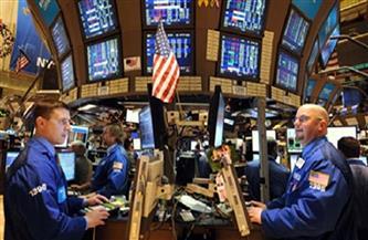الأسهم الأمريكية تغلق منخفضة تحت وطأة بيع بشركات التكنولوجيا