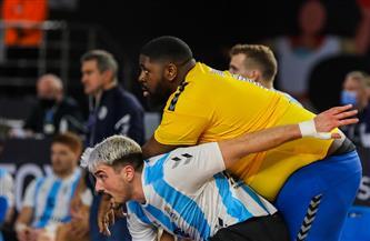 وزنه يتعدى الـ110 كيلو.. لاعب الكونجو يسرق الأضواء في مباراة الأرجنتين