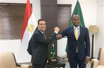 سفير مصر بغانا يلتقي سكرتير منطقة التجارة الحرة القارية الإفريقية صور