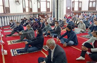 محافظ كفرالشيخ ووزير الشباب والرياضة يؤديان صلاة الجمعة بمسجد الإستاد |صور
