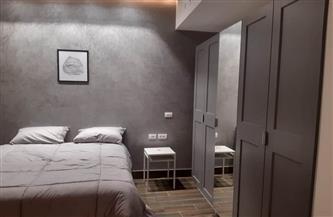 المستشار الإعلامي لرئيس الوزراء ينشر صورًا لفرش إحدى الوحدات السكنية بأبراج مدينة العلمين الجديدة| صور